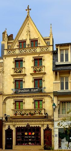"""Paris, World Capital of Chocolate. Mazet de Montargis ~ founded by Léon Mazet in 1903 specialises in praslines (the original praline) a hardened mixture of crushed nuts in a caramelised syrup.  The praline was invented in the 17th century by Clément Jaluzot, Maréchal de Plessis-Praslin's """"officier de bouche"""" (master chef). It is considered to be the oldest form of candy in France."""