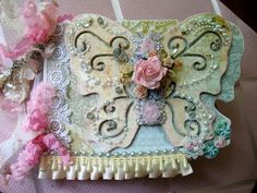 Shabby Chic Butterfly Mini Album by the talented iluvvintagescrap (aka Juliana)