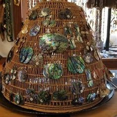 - I love the basket and the bling. Jewellery Displays, Earring Holders, Market Stalls, Jewelry Storage, Display Ideas, Storage Ideas, Jewelry Ideas, Baskets, Shells