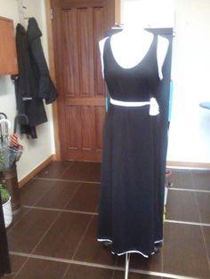 Mais um lindo vestido feito nas nossas aulas de costura pela nossa aluna Paula.