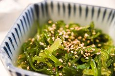Japanese Diet - Fresh Japanese Seaweed Salad Recipe I A seaweed is both tasty as well as extremely good for you. Discover the World's First & Only Carb Cycling Diet That INSTANTLY Flips ON Your Body's Fat-Burning Switch Sea Weed Recipes, Asian Recipes, Healthy Recipes, Ethnic Recipes, Healthy Foods, Meat Recipes, Seaweed Salad Recipes, Carb Cycling Diet, Japanese Diet