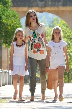 Queen Letizia of Spain Photos: Spanish Roylas Visit Palma de Mallorca
