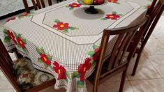 Bordado em tecido xadrez - Toalha de Mesa (Detalhes sobre o bordado... Visitar) Chicken Scratch, Hand Embroidery, Diy And Crafts, Kids Rugs, Toque, Home Decor, Gallery, Crochet Fish, Tablecloths