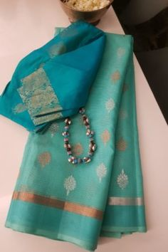 Cotton Saree Designs, Saree Blouse Neck Designs, Saree Blouse Patterns, Blouse Models, Saree Models, Maharashtrian Saree, Vintage Flower Girls, Kota Sarees, Simple Sarees