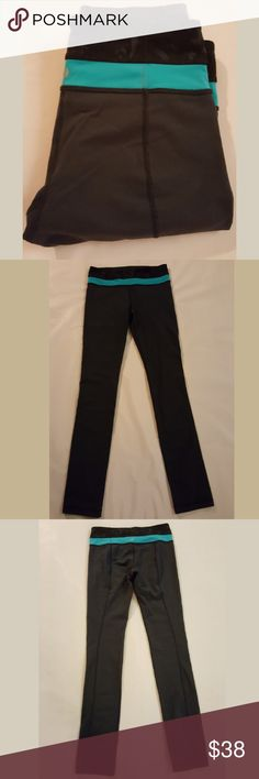 "LULULEMON SKINNY GROOVE PANT SIZE 6 Lululemon skinny groove pant size 6. Photos may look darker but they are Navy. Worn a few times - in great condition! Inseam is 32"" lululemon athletica Pants"