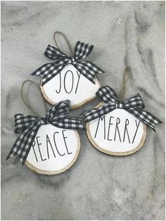 10 DIY Christmas Ornaments To Deck Your Halls In 2019 christmasornaments christmas diychristmasornaments Christmas Wood, Diy Christmas Ornaments, Christmas Angels, Christmas Projects, Winter Christmas, Holiday Crafts, Christmas Decorations, Christmas Time, Buffalo Plaid Christmas Ornaments