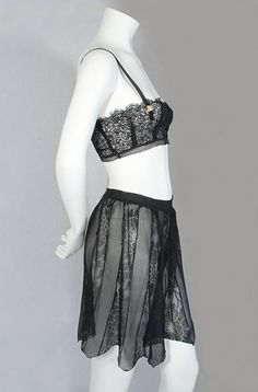 Bra and tap pants, 1920s, from the Vintage Textile archives.