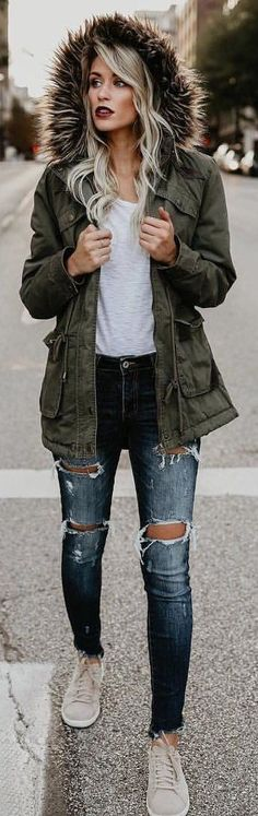 #Winter #Outfits / Olive Green Parka + Jeans