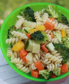 Milk Free Mom - Healthy Dairy Free Recipes & Products » Easy Kid Friendly Pasta Salad  #YSummerSeries #dairyfree