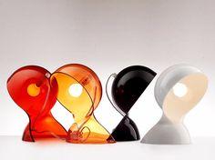Lámpara de mesa con luz directa DALÙ by Artemide Italia diseño Vico Magistretti
