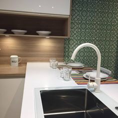 Cada Cocina tiene su propia Encimera Sink, Granada, Home Decor, Decorating Kitchen, Kitchen Furniture, Kitchens, Polished Concrete Countertops, Leaving Home, Natural Materials