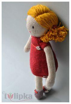 Flora, peluche jouet poupée tricot en laine aux cheveux jaunes personnalisable : Jeux, jouets par tulipka