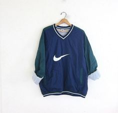 vintage NIKE coed pullover windbreaker. blue and green sweatshirt. slouchy nylon workout shirt.