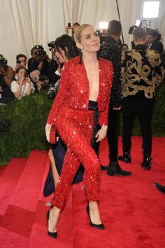 Sienna Miller in Thakoon - The Best Celebrity Looks From The 2015 Met Gala Sienna Miller Style, Classy Suits, Contemporary Dresses, Smart Outfit, Costume, Formal Looks, Celebrity Look, Red Carpet Looks, Red Carpet Fashion