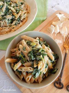 Pepi's kitchen: Πένες ολικής αλέσεως με σπανάκι και γιαούρτι