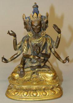 DEITY Tibetana em bronze gilded a ouro do sec.19th, 20cm de altura, 38,960 EGP / 14,530 REAIS / 4,610 EUROS / 5,450 USD / 33,800 CHINESE YUAN  https://www.facebook.com/SoulCariocaAntiques