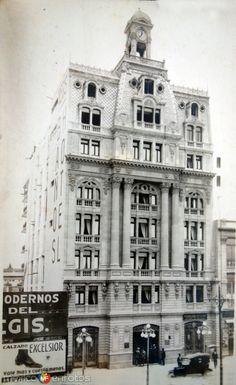 Hotel Regis y oficina de boletos del Ferrocarril Mexicano de la Ciudad de Mexico..