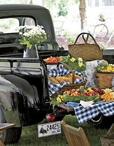 I think my husband needs to buy me a truck like this, if nothing else, just for picnics.
