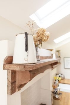 Image By Adam Crohill - A 3 Bed Victorian Terrace Redecoration And Extension Project In Hertfordshire Uk, Featuring Upcycled And Reclaimed Details. Victorian Terrace, Victorian Homes, Rock My Style, Style Uk, Feng Shui Wealth Corner, Cosy Kitchen, Kitchen Ideas, Feng Shui Office, Feng Shui Bathroom