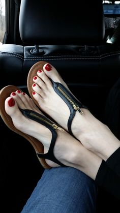 Cool zippered t-strap sandals on pretty feet. Beautiful Sandals, Beautiful Toes, Cute Sandals, Cute Shoes, Me Too Shoes, Strap Sandals, Block Sandals, Women's Sandals, Feet Soles
