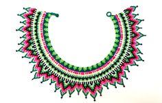 Collar chaquiras realizado por la tribu Embera de Colombia