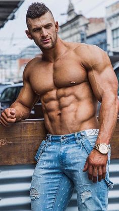 How to gain maximum muscle in a short time Muscle Hunks, Muscle Men, Best Bodybuilding Supplements, Bodybuilding Fitness, Musa Fitness, Raining Men, Male Poses, Male Body, Sexy Men
