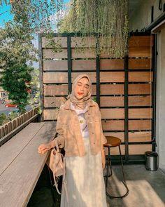 Modern Hijab Fashion, Street Hijab Fashion, Hijab Fashion Inspiration, Casual Hijab Outfit, Ootd Hijab, Hijab Chic, Cute Outfits, Hijabs, Kebaya