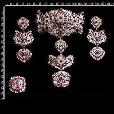 Diamond Earrings, Bracelets, Jewelry, Fashion, Hair Combs, Amethyst, Dressings, Crystals, Jewels