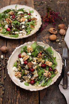 RECIPE: Winter salad with pumpkin seed oil and roasted kohlrabi - Salat - Vegetarian Recipes Winter Salad Recipes, Salad Recipes Healthy Lunch, Beet Salad Recipes, Vegetarian Breakfast Recipes, Salad Recipes For Dinner, Chicken Salad Recipes, Best Pumpkin Seed Recipe, Pumpkin Seed Recipes, Pumpkin Seed Oil