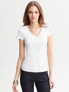Banana Republic Women's White Shorts-Sleeve Timele inspired by #ZoeSaldana. Shop #DMLooks at DivaMall.tv