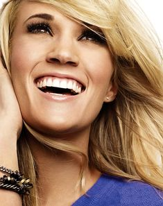 HAIR:: BLONDES: Deeper, rich blonde. Beautiful mix of lowlights & highlights! || Carrie Underwood