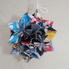 oragami flower decor, use old mags or newspapers