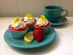 Amish Friendship Bread Strawberry Lemonade Cupcakes