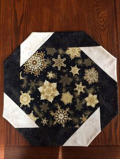 Your place to buy and sell all things handmade Table Runner And Placemats, Table Runner Pattern, Quilted Table Runners, Purple Christmas Tree, Christmas Runner, Christmas Tables, Christmas Sewing, Christmas Crafts, Christmas Quilting
