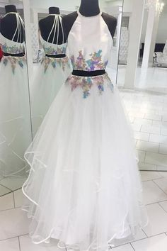 Material: Tulle, satin, appliqués Color: Please refer to color card, sometimes color difference will be existed, kindly please understand. Lead time: 15-30days