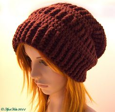 Ravelry: Mocha Slouchy Delight Hat Pattern pattern by April Draven (not free, bus similar to patterns from: http://projectsaroundthehouse.blogspot.de/2013/01/crochet-ribbed-beanie-pattern.html, http://www.ravelry.com/patterns/library/plain-slouch-hat)