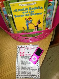 Ipods in the Classroom for Listen to Reading by Simply Skilled in Second (listen to reading Daily 5 iPods bright ideas) Reading Stations, Reading Centers, Literacy Stations, Literacy Centers, Daily 5, 5 Am Tag, Listening Station, Listening Centers, Classroom Activities
