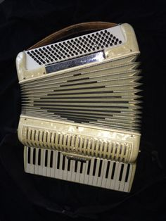 Accordian Grande Vox 1950s Signed Colombo Italy