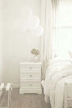 #white #bedroom #room #balloons #color #photography