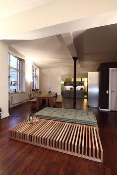 Si vous voulez voir comment il est construit :) http://www.youtube.com/watch?v=EKuDbrDGIh4 Le lit Yin Yang offre la simplicité de sa forme et le principe de l'ajustement de la taille. Les...