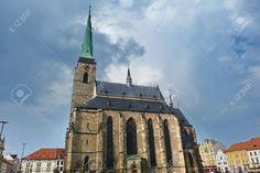 http://it.123rf.com/photo_51661850_cathedral-of-saint-bartholomew-pilsen-czech-republic.html