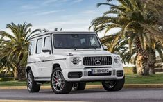 2019 Mercedes-Benz G-Class is the featured model. The 2019 Mercedes-Benz G-Class White image is added in car pictures category by the author on May Mercedes Benz Suv, Mercedes Benz Classe G, Mercedes Classic Cars, Autos Mercedes, Mercedes G Wagon White, Maserati, Bugatti, Benz Amg, G63 Amg