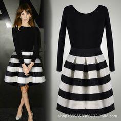 014 automne et en hiver de la mode en europe et en amérique le nouveau haut- fin noir et blanc à rayures horizontales robe pelucheuse 2#