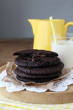 Extra chocolate cookies with caramel heart and the icecream sandwiches version ► Cookies extra chocolat coeur caramel et sa version icecream sandwiches ♨ #cookies #chocolate #caramel #icecream #sandwiches