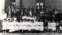 Juan Bautista Zabala ikastetxeko ikasleak, irakasleekin / Alumnas del Colegio Juan Bautista Zabala con sus profesoras, curso 1953-1954 (Cedida por Rosi Sagasti)  (ref. 02721)