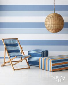 Add comfy seating to your coastal-inspired living room with this beachy sling chair. A double-sided seat makes it look good from every angle.