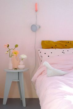 This time we researched pastel room décor ideas for nearly any room of your house. These pastel room décor ideas include from sofas to pillows, linens, and furniture. Pastel Room Decor, Pastel Bedroom, Danish Bedroom, New Retro Wave, Pastel Interior, Fashion Room, My New Room, Interior Design Living Room, Dorms Decor
