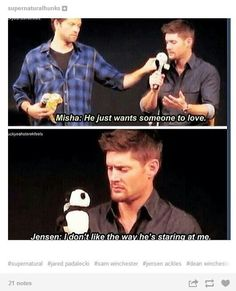 Haha Jensen Ackles and Misha Collins. Really need to watch Supernatural Supernatural Bloopers, Supernatural Quotes, Supernatural Fandom, Supernatural Tattoo, Supernatural Wallpaper, Supernatural Pictures, Dean Winchester Supernatural, Misha Collins, Castiel