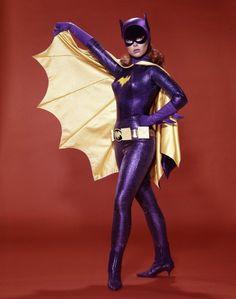 Yvonne Craig, Batgirl from 'Batman' series, dies at 78 Yvonne Craig, Batman Robin, Batman 1966, Batman Show, Batman Tv Series, James Gordon, Gotham Tv, Gotham Batman, Batman Art