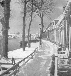 1956   Een winterse sfeer op Schilkampen in Leeuwarden.